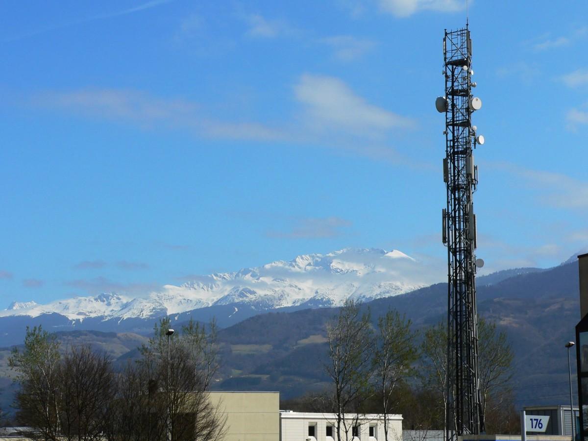Telekomünikasyon ve GSM Direkleri